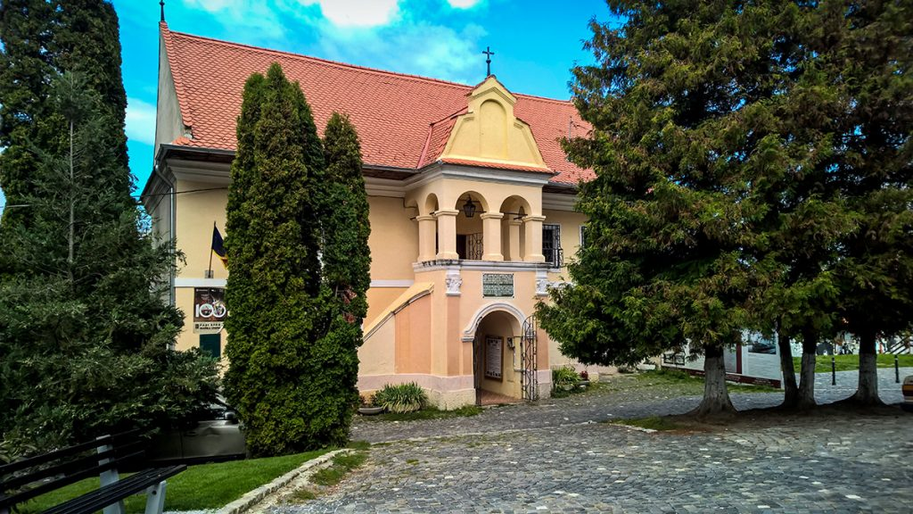 Cycling tour in Brasov - The First Romanian School