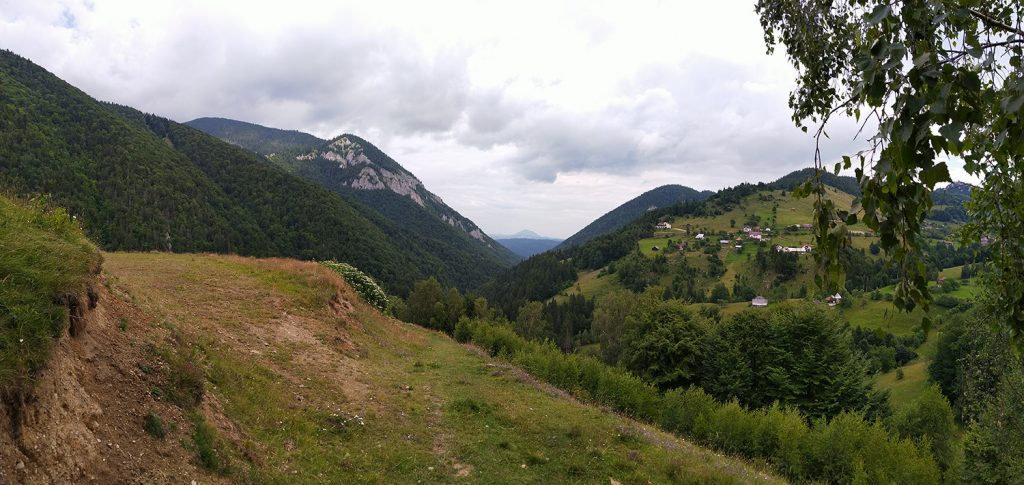 Hiking tours in Transylvania - hiking in Magura village